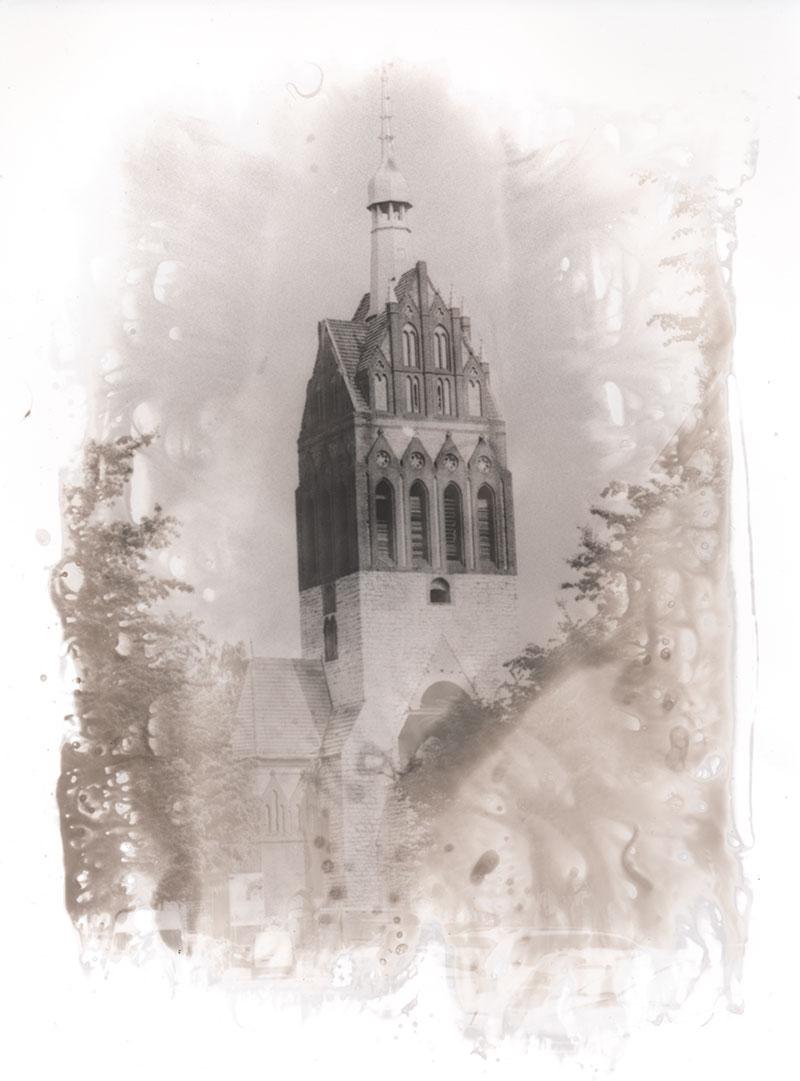 Alte Pfade - Mirbachplatz - Kirche ohne Kreuz