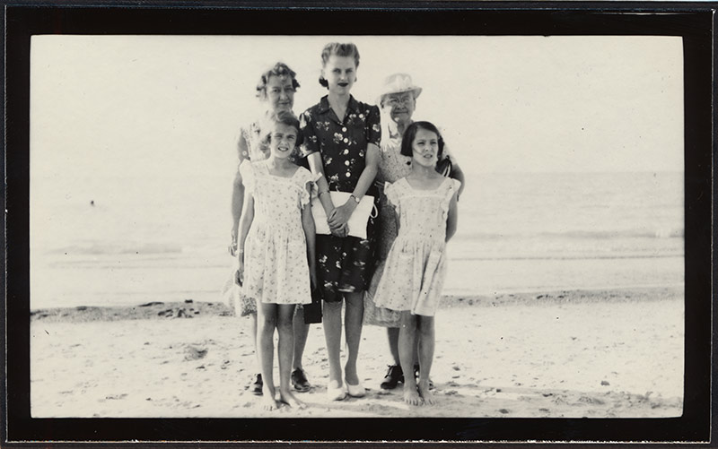 Familienschnappschuss am Strand