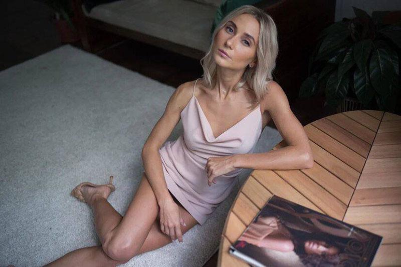 Alyona Scam will Geld