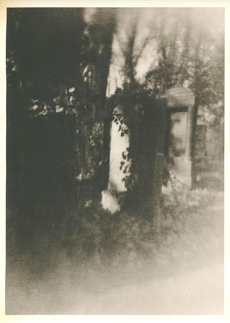 Hinter Türen
